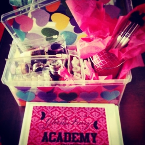 A tiny look into what the Glam Academy is   MakecuppByDestinee's Blog